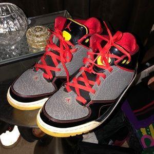 - Jordan's b-ball sneaker